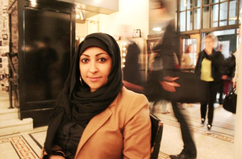 Human rights defender Maryam Al-Khawaja locked out of Bahrain on 'no-fly' list