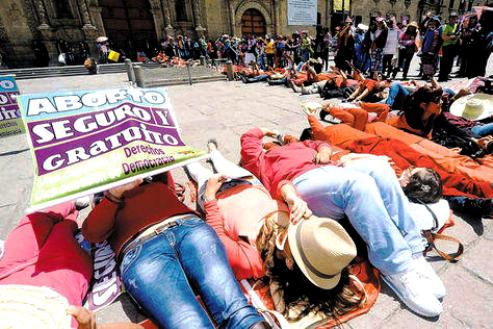 BOLIVIA: Illegal abortion worries rise after new court ruling